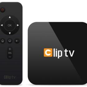 100000_clip-tv-model-3012a7